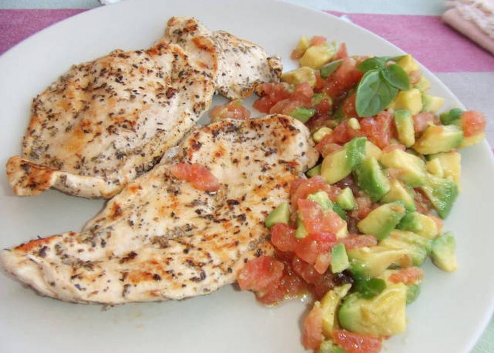 Receta pechuga de pollo al lim n or gano tomate y aguacate - Platos con pechuga de pollo ...