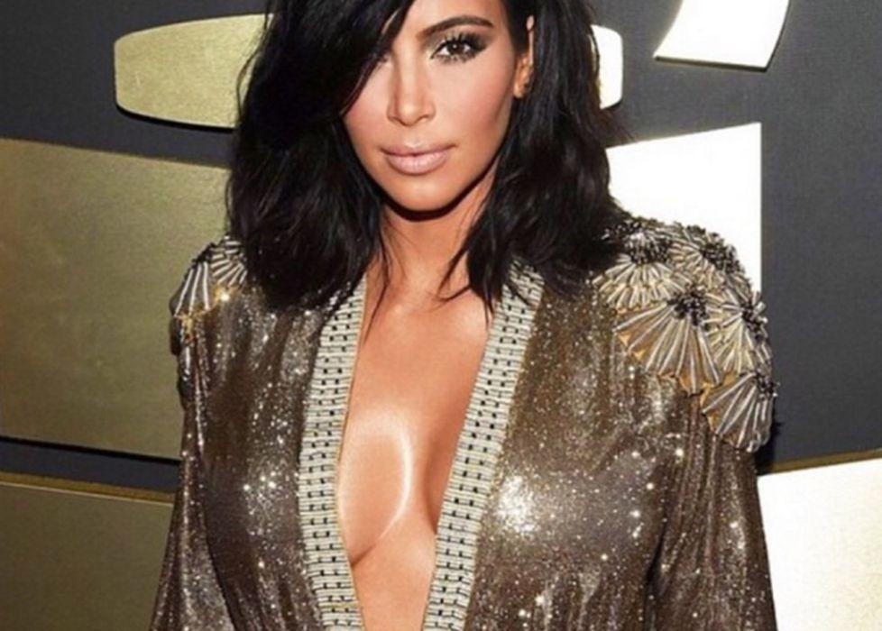 Resultado de imagen de kim kardashian escote