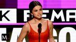 Selena Gomez reaparece y rompe en llanto tras recibir premio